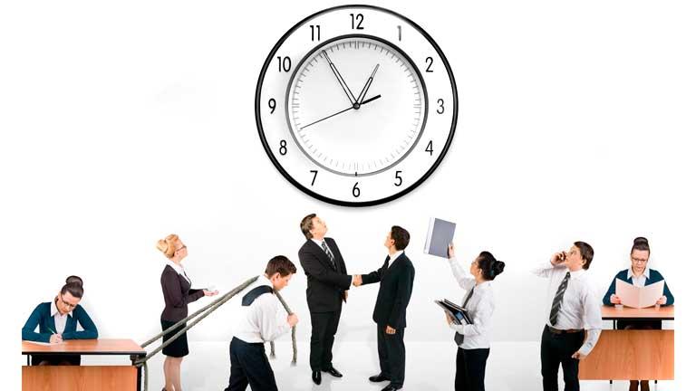 trabajos regulados por el derecho laboral